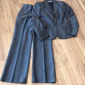 Calvin Klein pant suit Vintage size 8